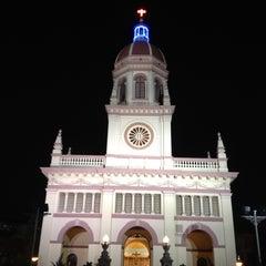 Photo taken at Santa Cruz Church (วัดซางตาครู้ส) by Leabkung U. on 2/23/2012