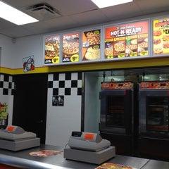 Photo taken at Little Caesars Pizza by Beba La Jefa on 3/28/2012