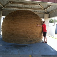 Photo taken at World's Largest Ball Of Twine   (made by a community) by Amanda on 8/31/2012