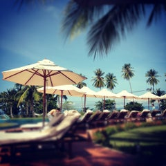 Photo taken at Sheraton Krabi Beach Resort by Golf w. on 4/14/2012