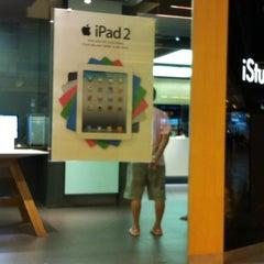 Photo taken at iStudio by Piak P. on 3/15/2012