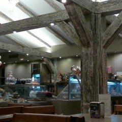 Photo taken at Baskin Café by Narathip H. on 8/6/2012