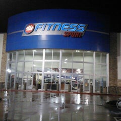 Photo taken at 24 Hour Fitness by William J. on 3/11/2012