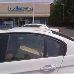 Photo taken at FedEx Office Print & Ship Center by sutah r. on 8/24/2012