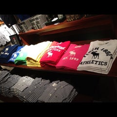 Photo taken at Abercrombie & Fitch by Capt_Neetiapt T. on 5/5/2012