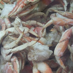 Photo taken at Cameron's Seafood Market by Robb S. on 9/9/2012