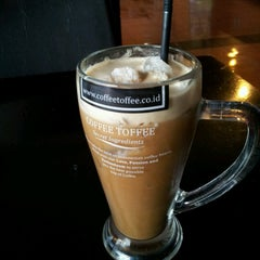 Photo taken at LeChef Cafe and Cofee Toffee by Isna H. on 8/26/2012