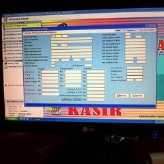 Photo taken at Kantor Samsat Gresik by elfira r. on 8/18/2012