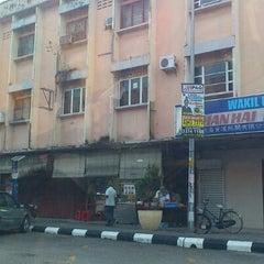 Photo taken at seng lee kopitiam by ahgu L. on 5/14/2012