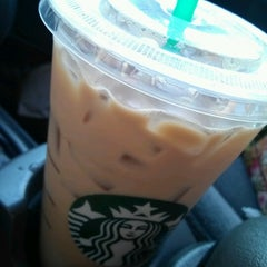 Photo taken at Starbucks by Ariel W. on 9/4/2012