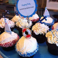 Photo taken at Trophy Cupcakes by Victor L. on 8/31/2012