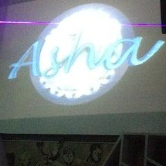 Foto tomada en Asha Bar por Roberto C. el 7/21/2012