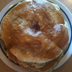 Photo taken at IHOP by Carra R. on 3/9/2012