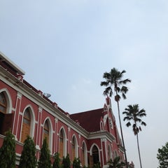 Photo taken at โรงเรียนเทพศิรินทร์ (Debsirin School) by Benz N. on 5/24/2012