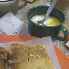 Photo taken at Joo Leong Cafe (裕隆茶室) by Peranakan F. on 3/9/2012