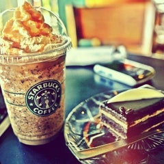 Photo taken at Starbucks by Harmoko T. on 6/10/2012