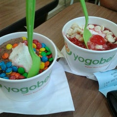 Photo taken at Yogoberry by Leandro A. on 4/28/2012