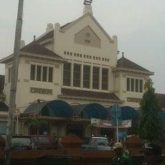 Photo taken at Stasiun Cirebon Kejaksan by Fauzie R. on 2/20/2012