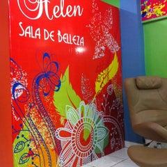 Photo taken at Helen Sala De Belleza by Syrome on 4/4/2012