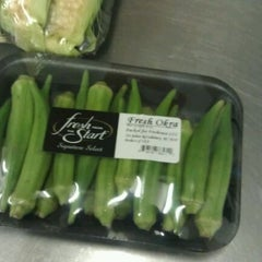 Photo taken at Food Lion Grocery Store by Daniel M. on 5/18/2012