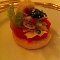 Photo taken at Le Louis XV - Alain Ducasse by Lilit on 8/16/2012
