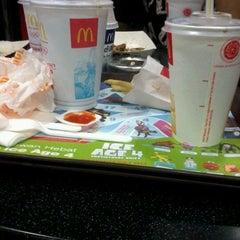 Photo taken at McDonald's by Bintang M. on 8/5/2012