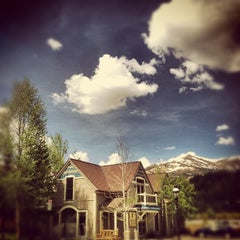 Photo taken at Paragon Lodging by Stacy S. on 6/4/2012