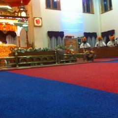 Photo taken at Sri Guru Singh Sabha Glen Rock Gurdwara by Satjot S. on 4/14/2012