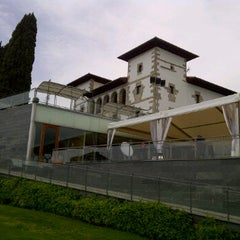 Photo taken at Palacio de Zuasti by DANIEL M. on 5/17/2012