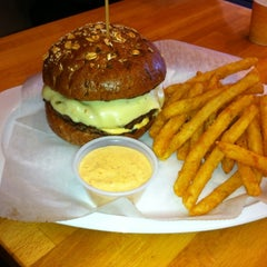 Photo taken at P.S. Burgers by Fabricio S. on 4/4/2012
