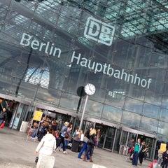 Photo taken at Berlin Hauptbahnhof by Grad v. on 5/17/2012