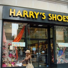 Photo taken at Harry's Shoes by 7th.List on 8/31/2012