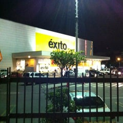 Photo taken at Éxito by MARIO O. on 6/7/2012