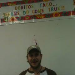 Photo taken at Taco Bell by rocío aracelis ú. on 5/14/2012
