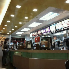 Photo taken at McDonald's by Rd O. on 2/7/2012