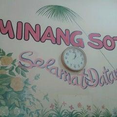 Photo taken at Minang Soto by Fajar P. on 9/11/2012