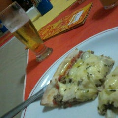 Photo taken at Pereira's Pizzas by Valdecir L. on 4/22/2012