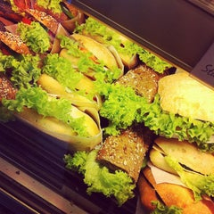 Das Foto wurde bei Anker Brot Kaufpark von Robert-P. P. am 4/20/2012 aufgenommen
