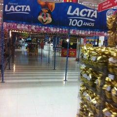 Photo taken at Hipermercado Extra by 1Kleber Guerra M. on 3/8/2012