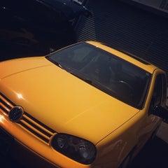 Photo taken at Sun Hand Car Wash by Winnie on 6/3/2012