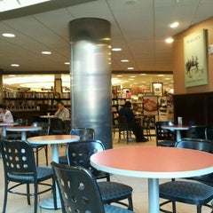 Photo taken at Barnes & Noble by José Raúl L. on 5/27/2012