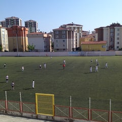 Photo taken at Kartal Bulvar Stadı by Fatih Y. on 5/5/2012