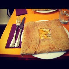 Photo taken at Roule Galette by Voon A. on 9/1/2012