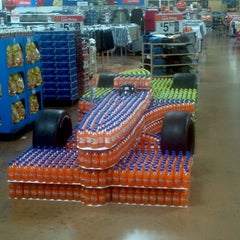 Photo taken at Walmart Supercenter by Moneyclip R. on 5/18/2012