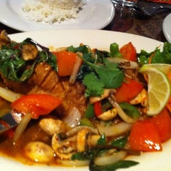 Photo taken at Titaya's Thai Cuisine by Yeipí J. on 3/23/2012