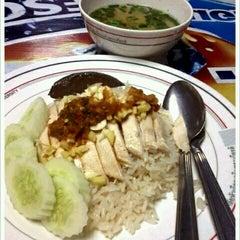 Photo taken at อาคารโภชนาการ ม.หัวเฉียวฯ by Jariya P. on 5/15/2012