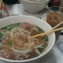 Photo taken at Pho Saigon Noodle & Grill by Rebecca G. on 3/14/2012