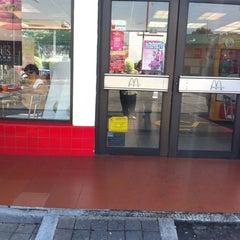 Photo taken at McDonald's by Alviseni L. on 3/11/2012