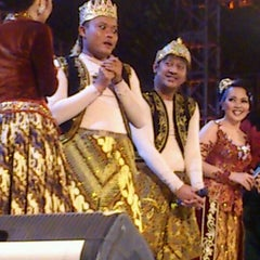 Photo taken at Taman Hiburan Rakyat Sriwedari by Nugroho W. on 3/17/2012