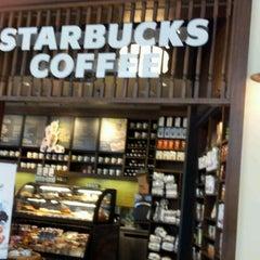 Photo taken at Starbucks by Natalia G. on 5/30/2012